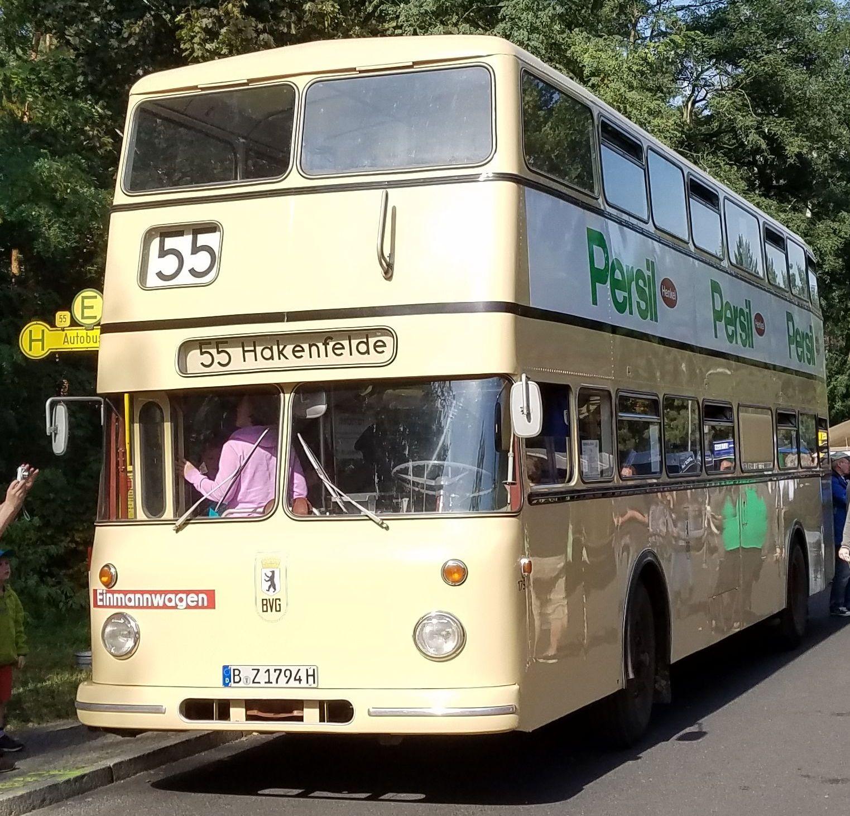 Foto: Bus 1794, Typ Bü DE 65, Berlin Hakenfelde, Oktober 2017