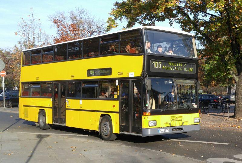 Bus: 25 Jahre Sightseeing mit der BVG-Linie 100, aus BVG