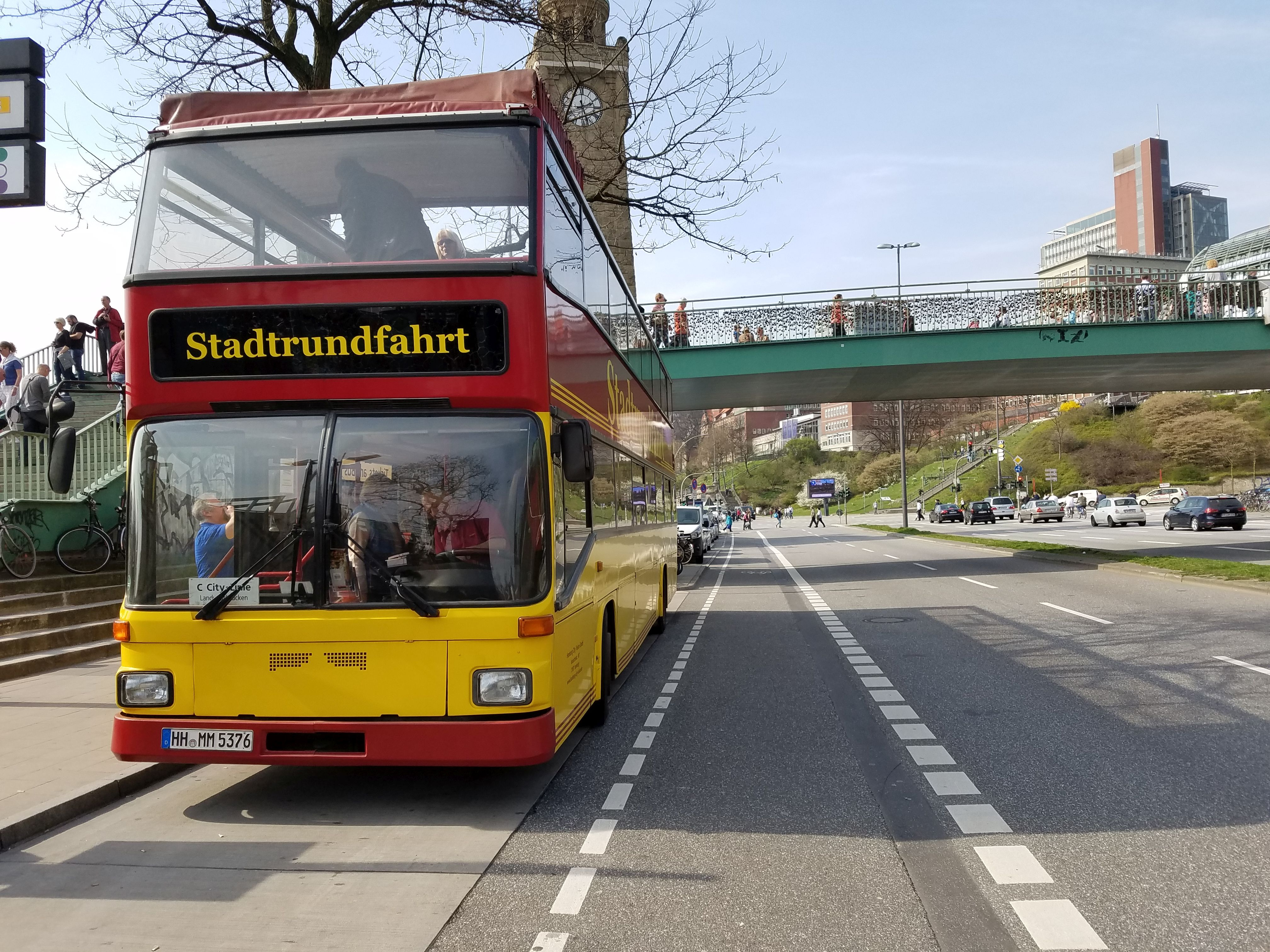 Foto: Bus 3960, Typ D92, Stadtrundfahrtbus HH MM 5376, Hamburg, März 2017