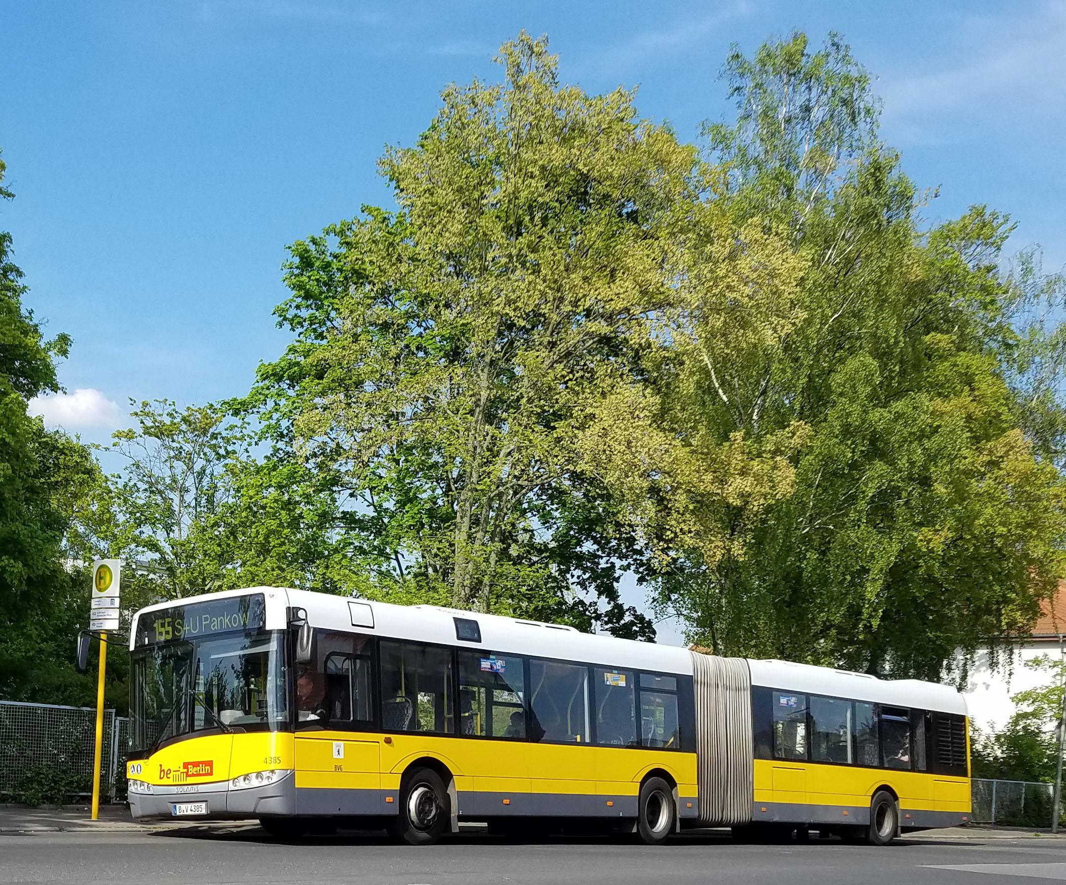 Foto: Bus 4385, Typ Solaris Urbino 18, Wilhelmsruh, Mai 2017