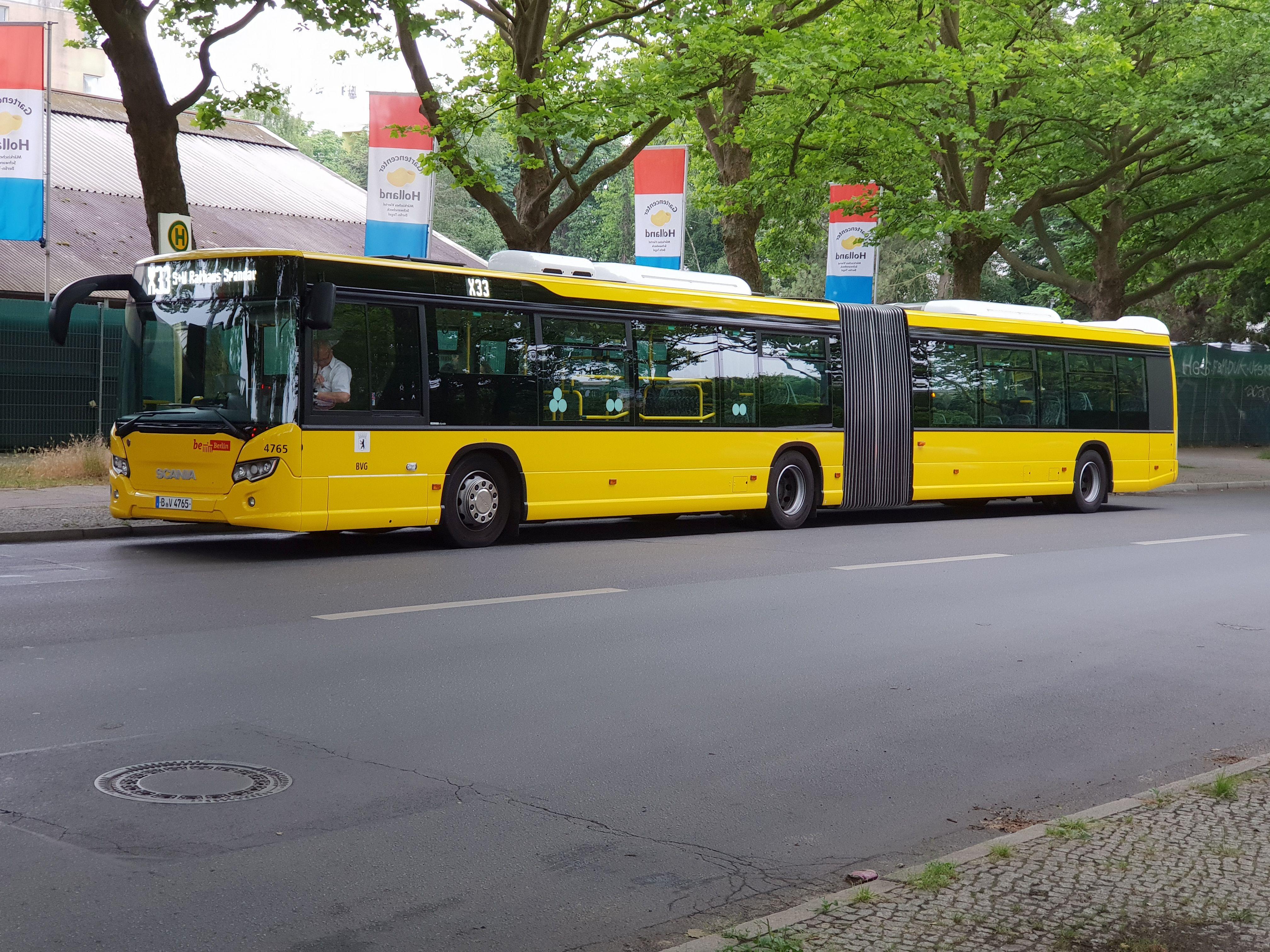 Bus 4765, Gelenkbus Typ Scania Citywide LFA, Märkisches Viertel, Juni 2018